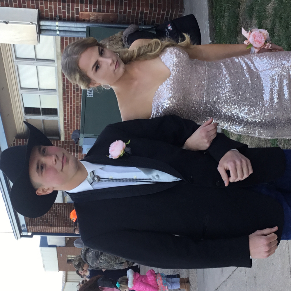 Jenna Frisbie escorted by Clement Huffman