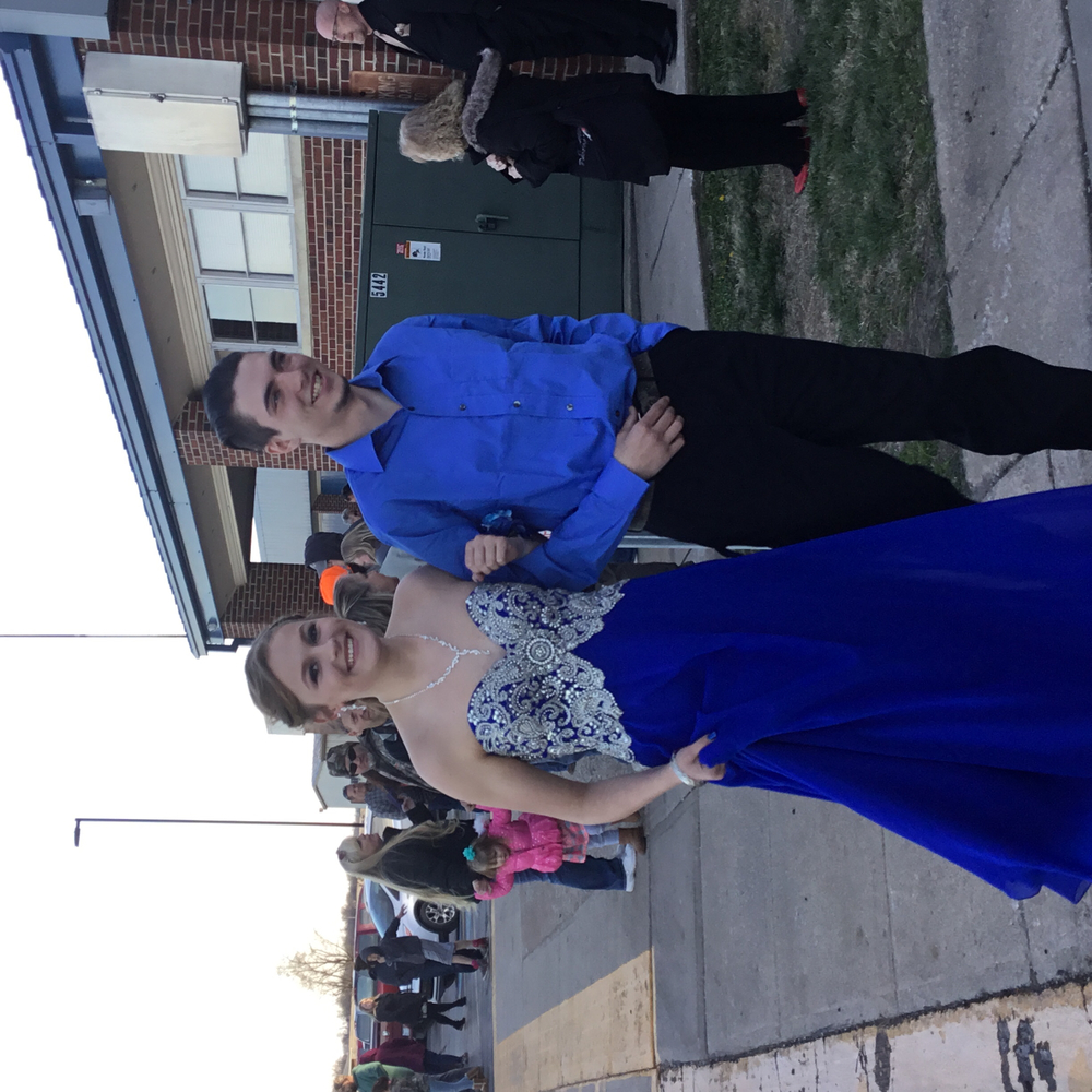 Michala Kinzle escorted by Conner Ethridge