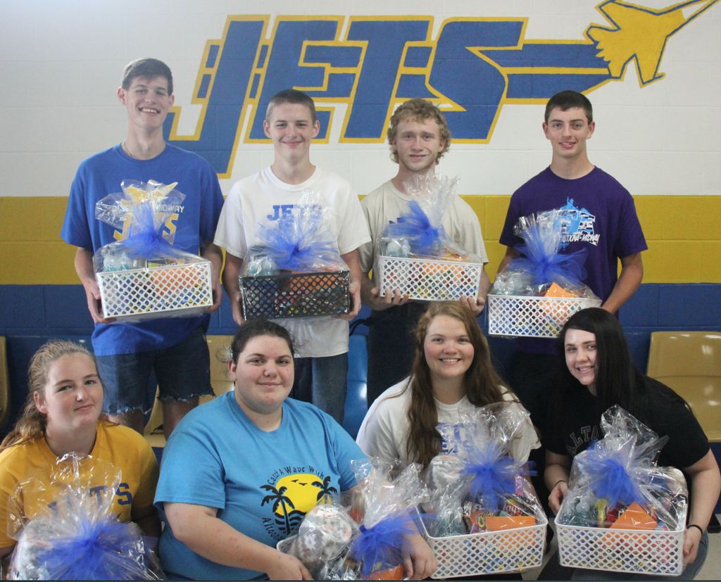 Fall 2020 Homecoming Candidates with Gift Baskets